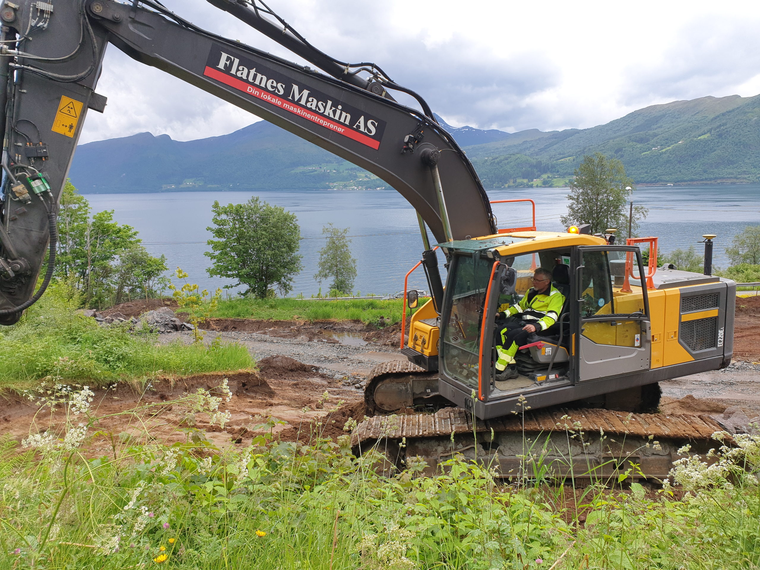 Grunnarbeid for Fjord terrasse – Byggetrinn 1, i Volda for Fjordbygg AS