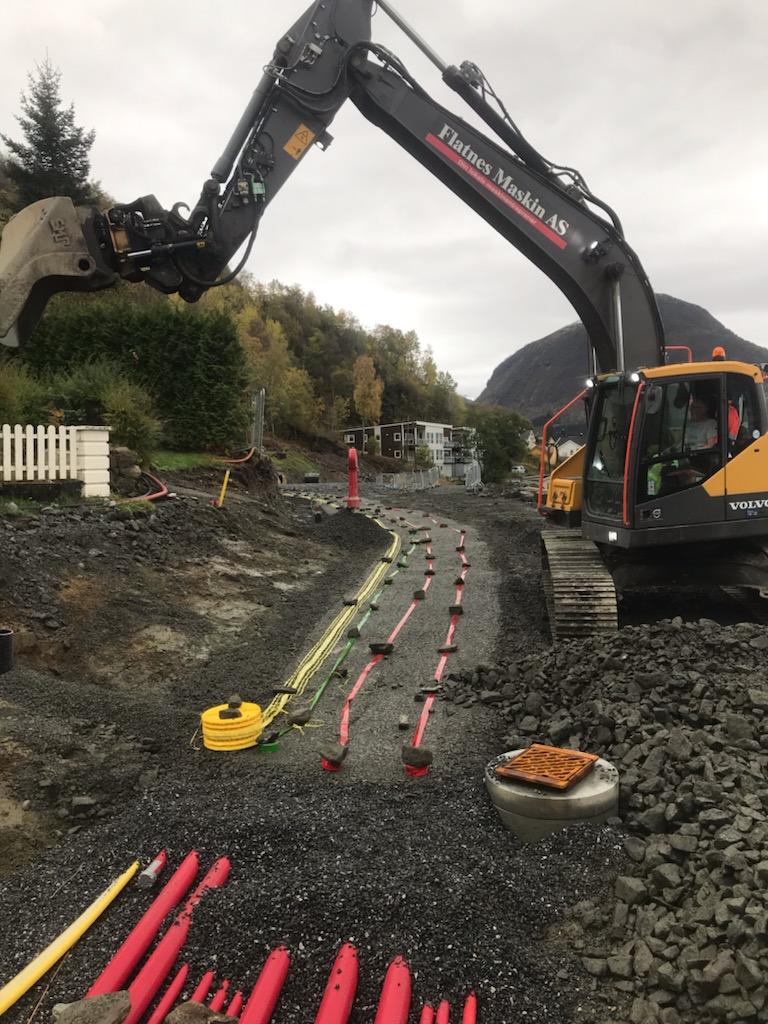 Fjord terrasse – Nytt kabelanlegg etablert under ny gangveg